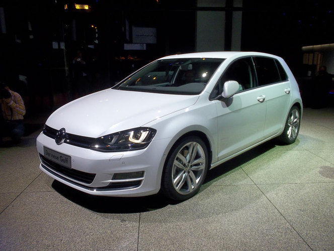 vid o premi re mondiale volkswagen golf 7. Black Bedroom Furniture Sets. Home Design Ideas