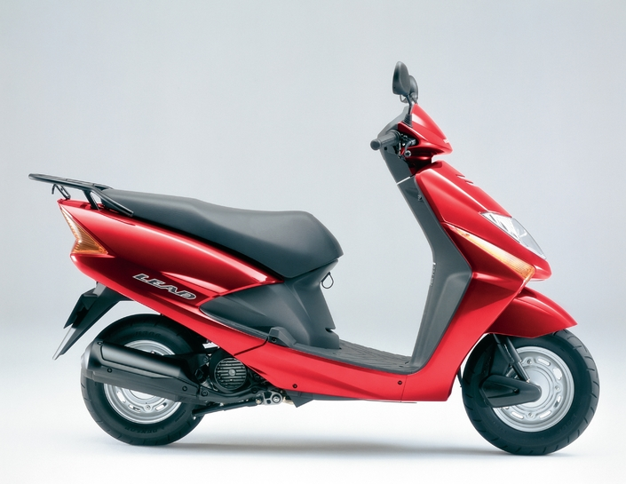 honda lead scv 100 un scooter 125 pas cher prenez un. Black Bedroom Furniture Sets. Home Design Ideas