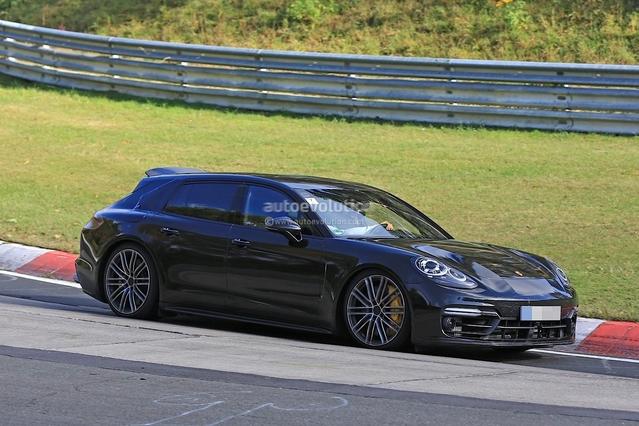 La Porsche Panamera break montre son aileronmobile