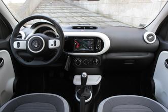 Comparatif vidéo - Renault Twingo vs Smart Forfour : dispute familiale