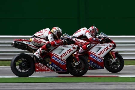 Superbike - Ducati : Tribune et loge pour le Superbike de Magny-Cours