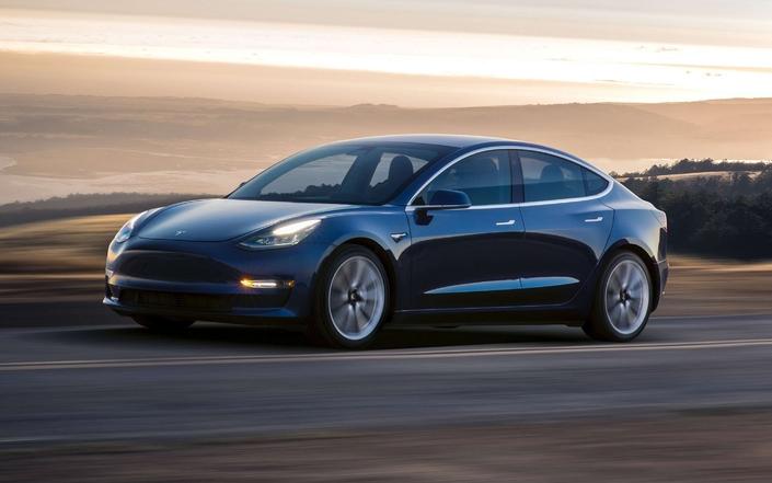 Tesla Model 3: la berline au goût d'Arlésienne.
