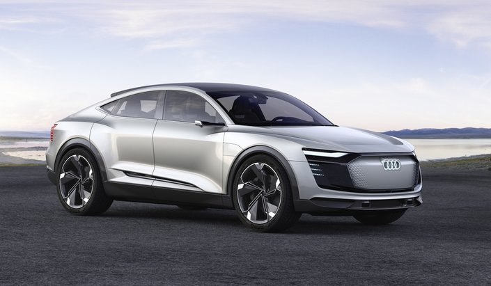 Un SUV 100% électrique dérivé du concept e-tron Sportback arrivera dans la gamme Audi en 2019.