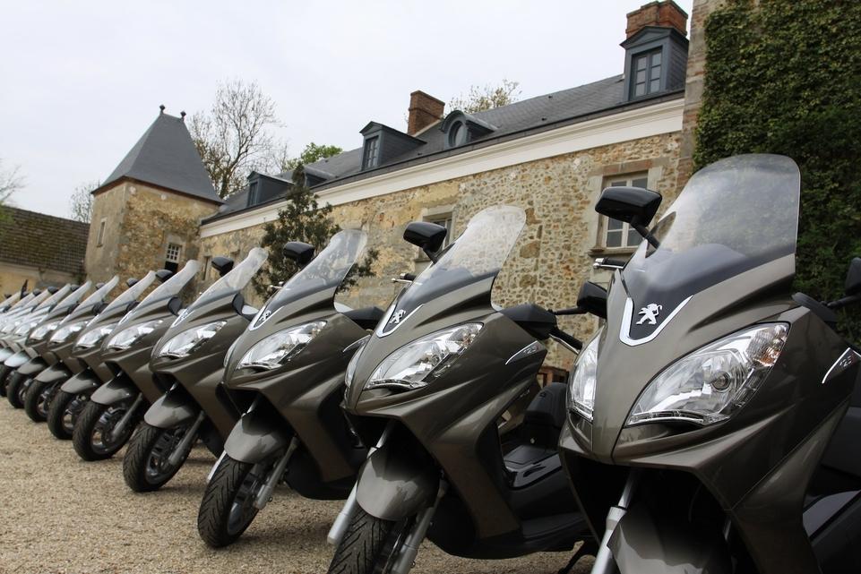 Essai Peugeot Satelis 125 cm3 : une stratégie axée sur le haut de gamme