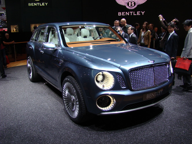 Salon de Genève 2015 - Bentley Bentayga : seul au monde