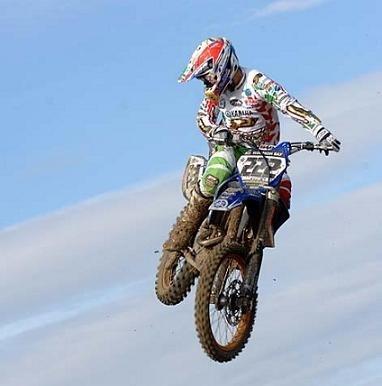 Cairoli gagne le supercross de Gènes