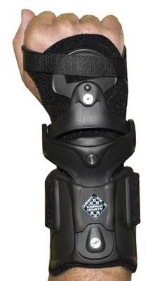 Orthèse poignets spéciale moto: All Sport Dynamics IMC Sport.