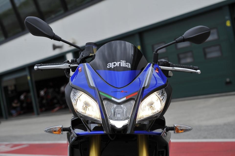 Essai Aprilia Tuono V4 RR 1100 : plus puissante mais plus sage?