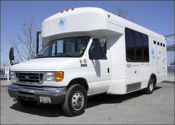 Canada : Ford à bord de minibus, direction l'hydrogène !