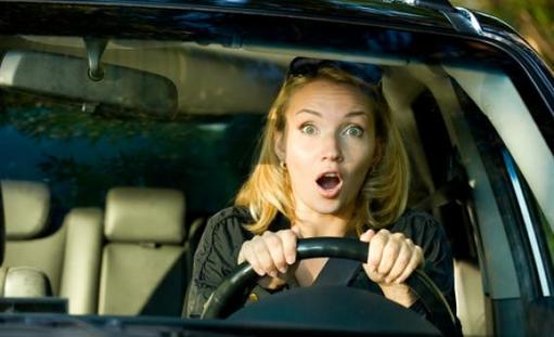 La question pas si bête - Les femmes conduisent-elles moins bien que les hommes?