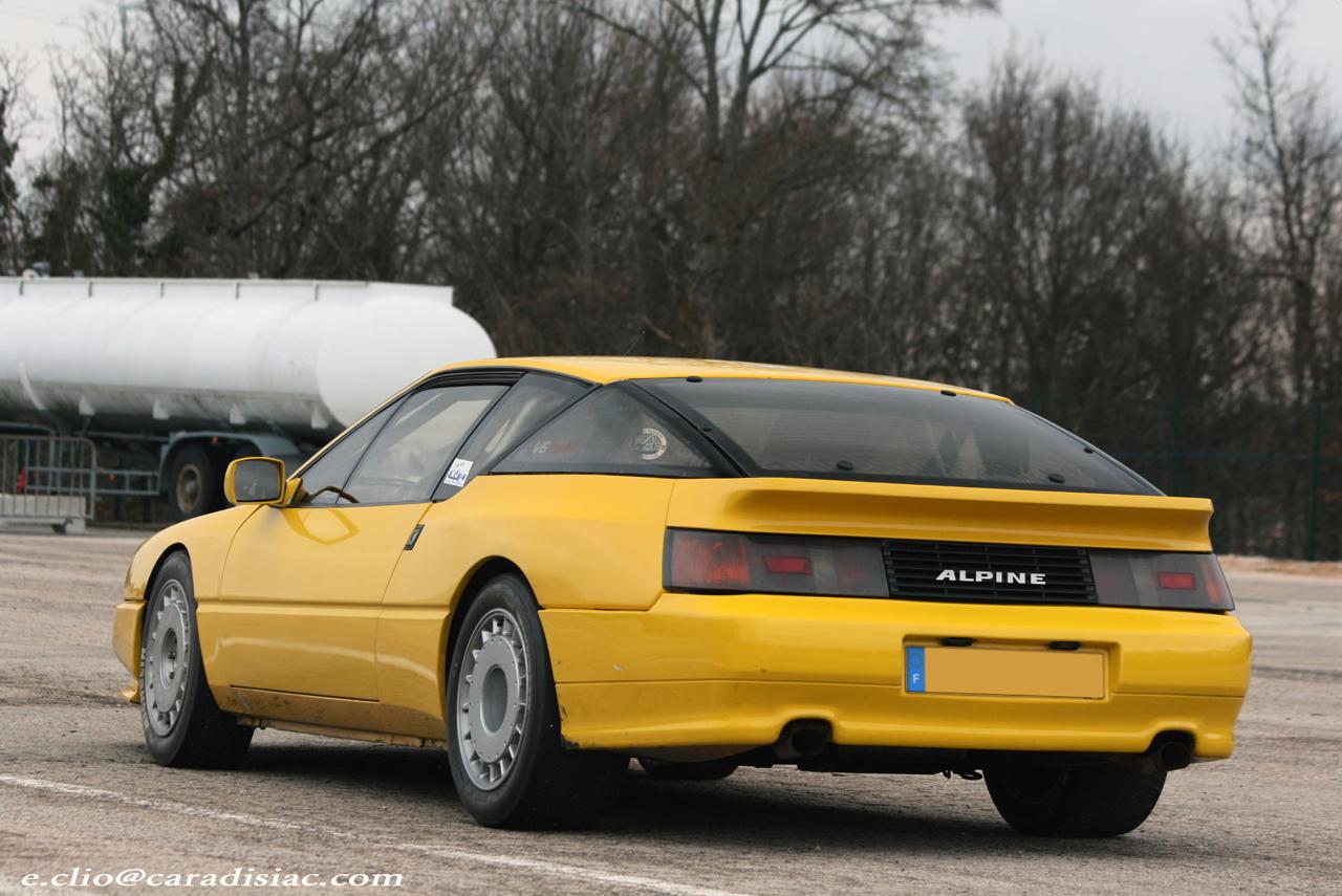 http://images.caradisiac.com/images/0/8/9/7/30897/S0-Photos-du-jour-Alpine-V6-Turbo-127175.jpg