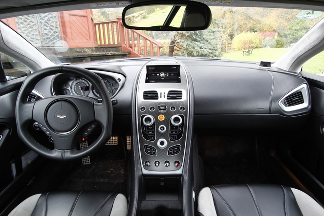Essai vidéo - Aston Martin Vanquish : remède anti-morosité