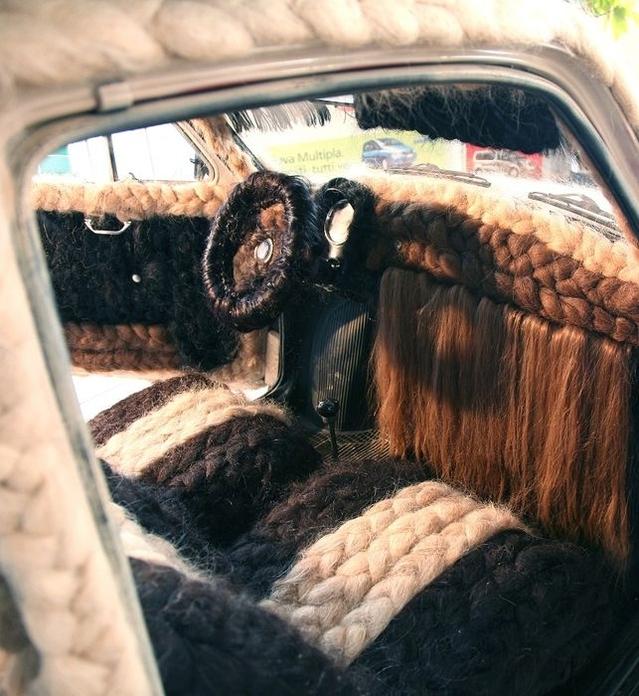 Insolite: une Fiat 500 qui décoiffe