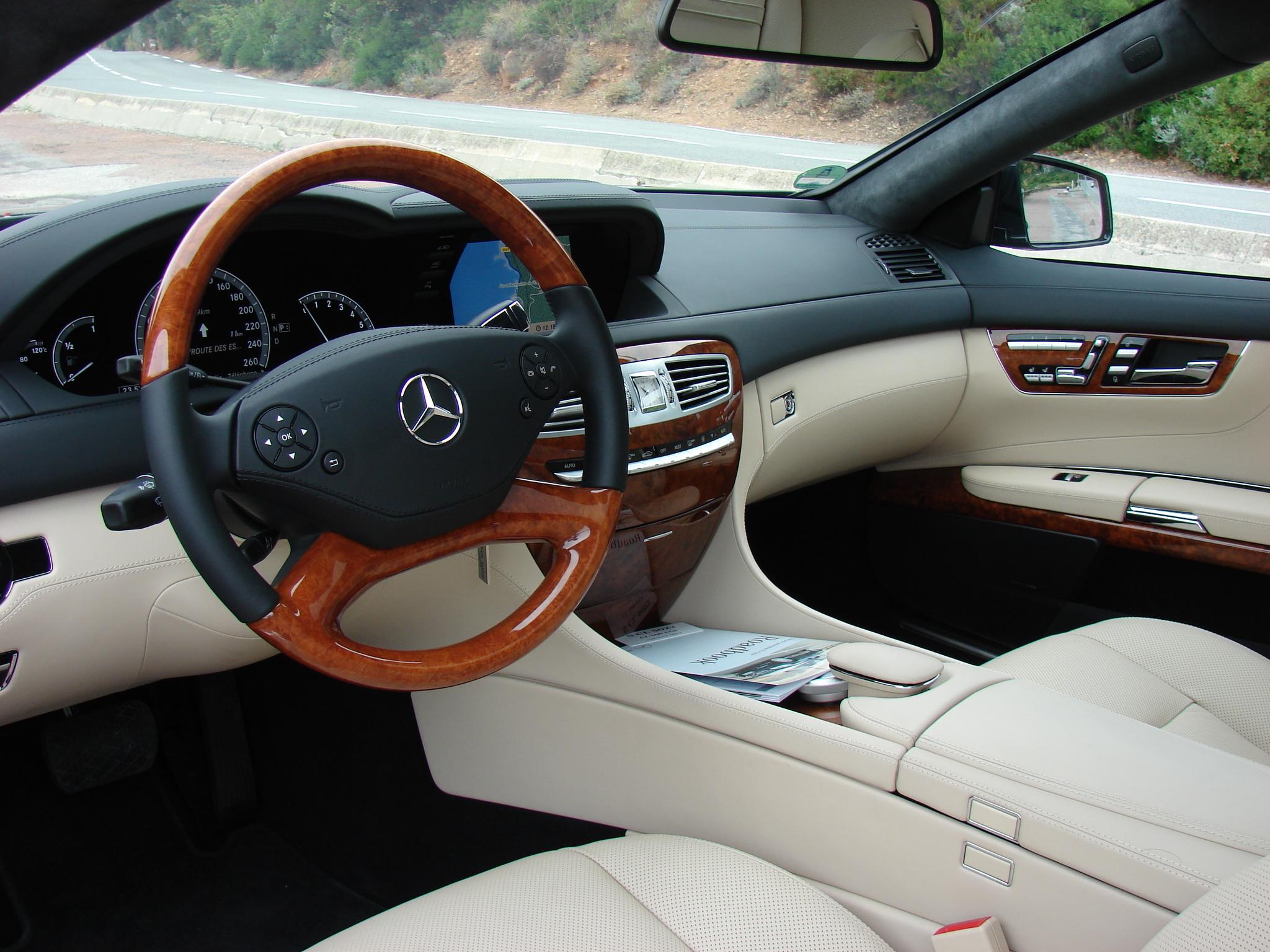 http://images.caradisiac.com/images/0/9/0/5/60905/S0-Essai-Mercedes-CL-restyle-un-athletique-pachyderme-193678.jpg
