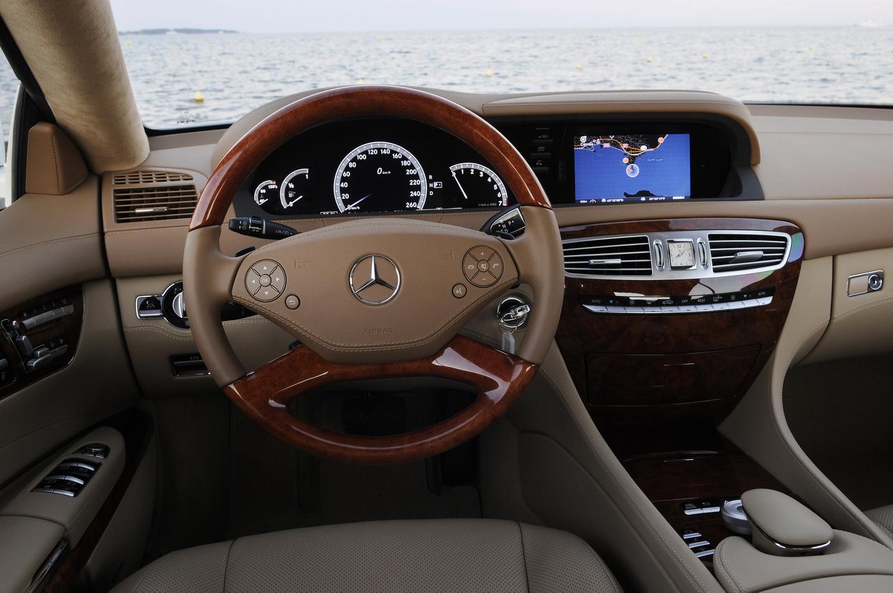 http://images.caradisiac.com/images/0/9/0/5/60905/S0-Essai-Mercedes-CL-restyle-un-athletique-pachyderme-193715.jpg