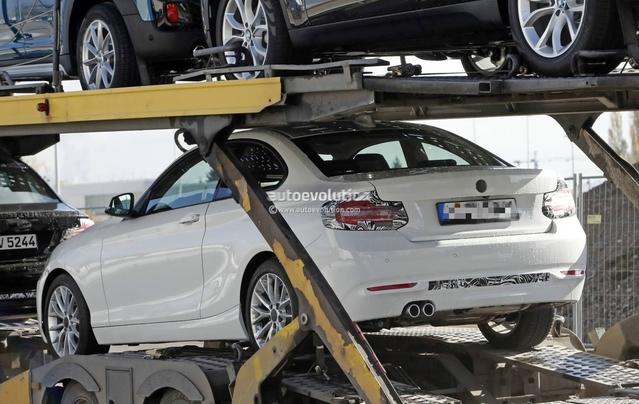 Scoop : la BMW Série 2 restylée de sortie sur un camion