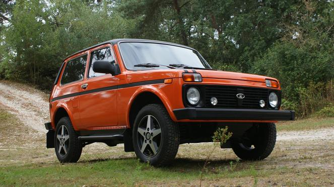 voiture lada 4x4 diesel. Black Bedroom Furniture Sets. Home Design Ideas