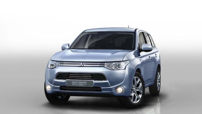 Toutes les nouveautés du Mondial 2012 - Mitsubishi Outlander hybride rechargeable  : vert