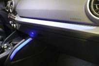 En option, on peut opter pour un rétroéclairage à LED (440 €).