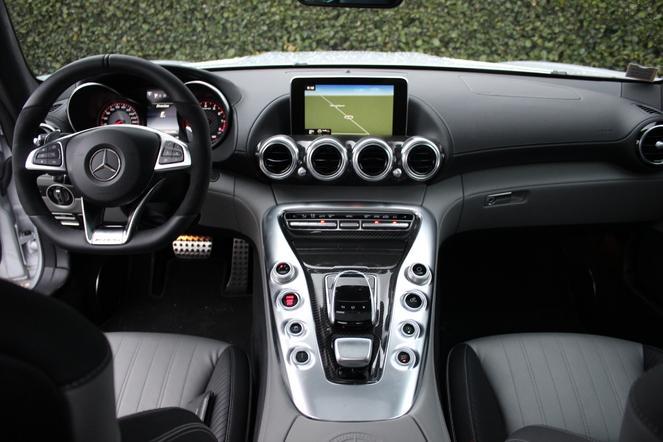 Essai vidéo – Mercedes AMG GT: l'anti-Porsche 911?