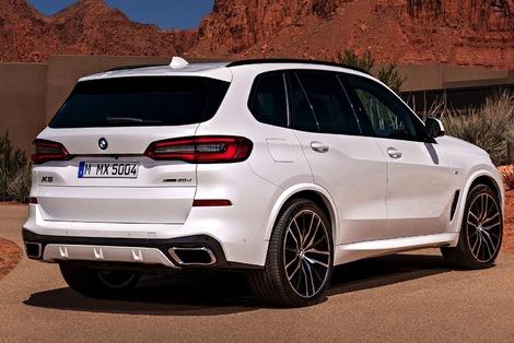 Le BMW s'est pour l'instant montré avec le kit carrosserie M.