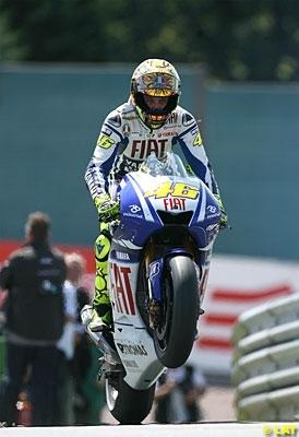 Moto GP - Allemagne: Rossi construit son titre au mètre près