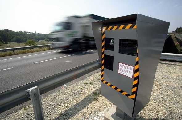 """Les radars automatiques, une affaire qui roule. Le """"champion de France"""", situé sur l'A40, enregistre 342 infractions chaque jour."""
