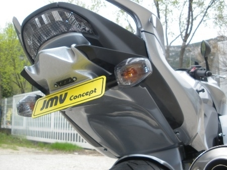 JMV Concept habille la Honda 1000 CBF millésime 2010.