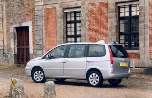 Essai - Citroën C8 V6 autoactive : le seigneur des agneaux