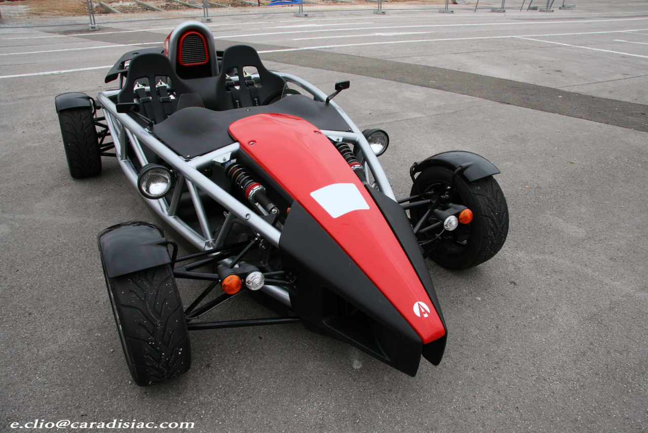 photos du jour ariel atom 300. Black Bedroom Furniture Sets. Home Design Ideas