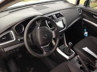 Première vidéo du Suzuki S-Cross restylé : découvrez les premières images de l'essai en live et impressions de conduite