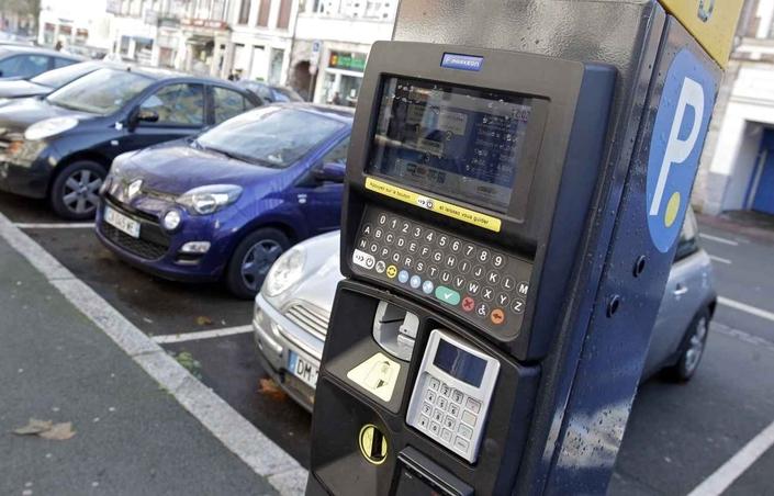 Stationnement à Paris: payant pour les deux-roues en 2018 ?