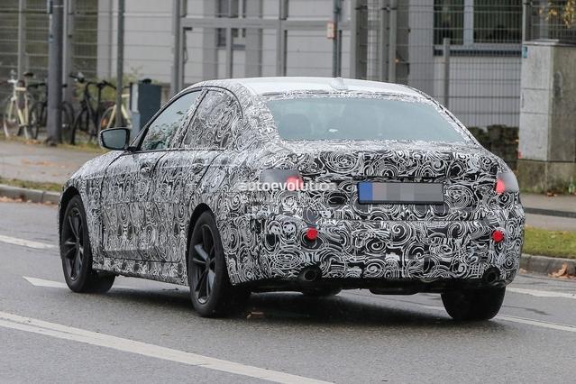 Scoop : la future BMW Série 3 prend la lumière