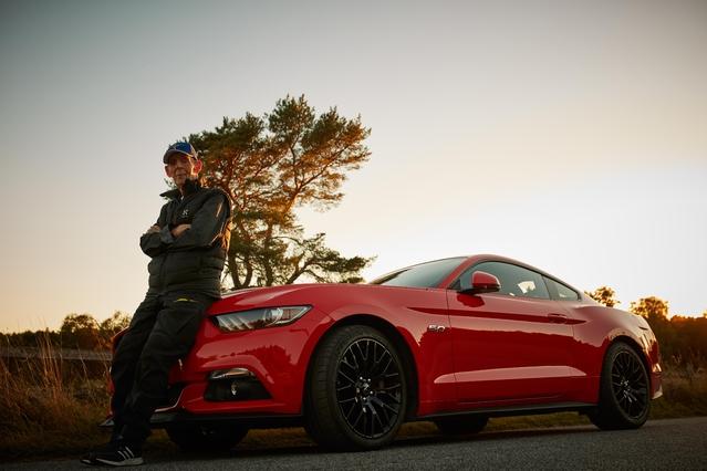 Insolite - A 97 ans, il s'achète une nouvelle Ford Mustang