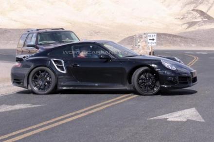 Future Porsche 911 Turbo: à 4 roues... directrices!