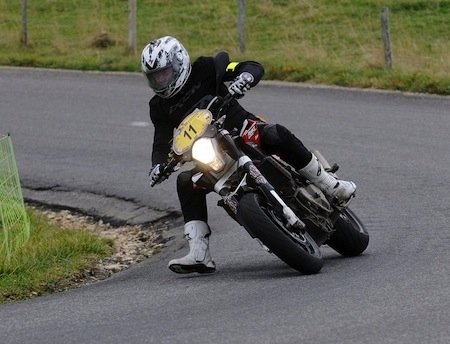 Dark Dog Moto Tour 2013, round 2: Bouan perd une spéciale mais augmente son avance