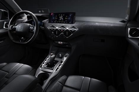 """La présentation intérieure change selon plusieurs """"Inspirations"""". Le volant peut être en cuir cousu main."""