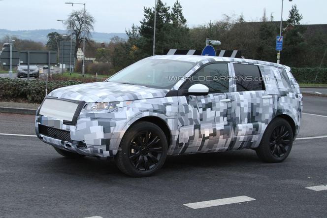 Surprise : le futur Land Rover Freelander se montre encore