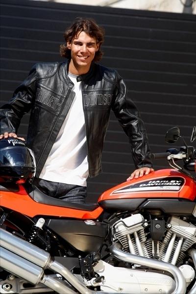 Rafael Nadal roule en Harley-Davidson XR1200