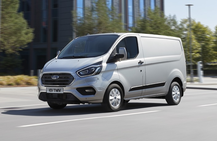Ford Transit Custom PHEV: l'utilitaire hybride rechargeable