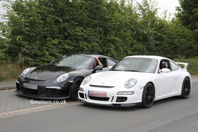 Surprise : la future Porsche 911 GT3 fait route avec l'actuelle