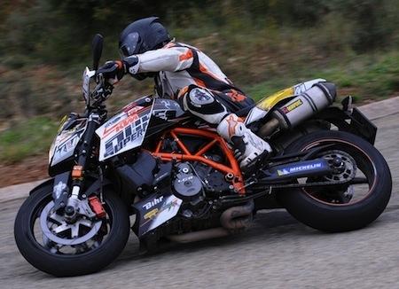 Dark Dog Moto Tour 2013, round 5: Bouan dans son jardin