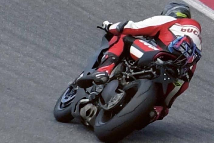 Nouveauté: la Ducati V4, c'est elle!