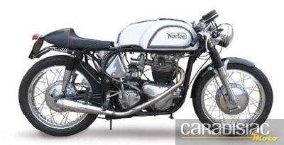 Vente aux enchères de motos anciennes par Osenat le 20 mars 2011.
