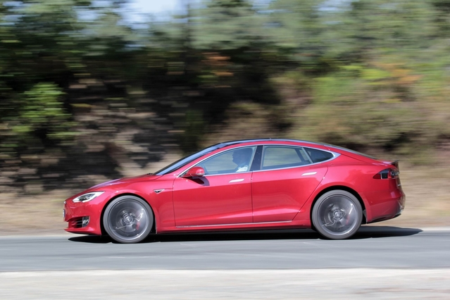 """""""Easter egg"""" Tesla - la dernière fonction cachée permet d'effectuer le 0 à 100 km/h en 2,6 s, un dixième de moins"""