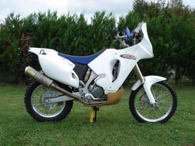 Une moto prête pour le Dakar : HFP off-road s'occupe de tout