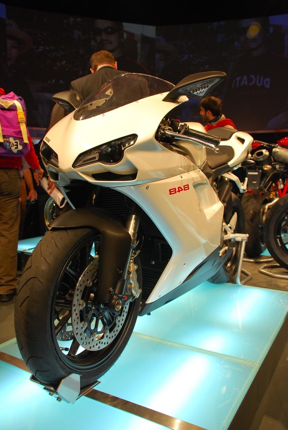Ducati 848 : Premiers tours de roues