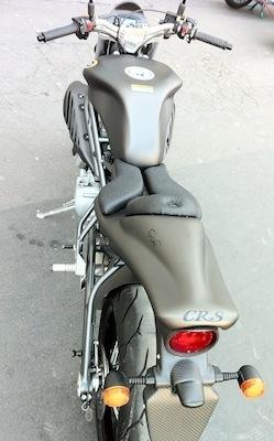 La CR&S Vun s'exhibe chez Paradise Moto.