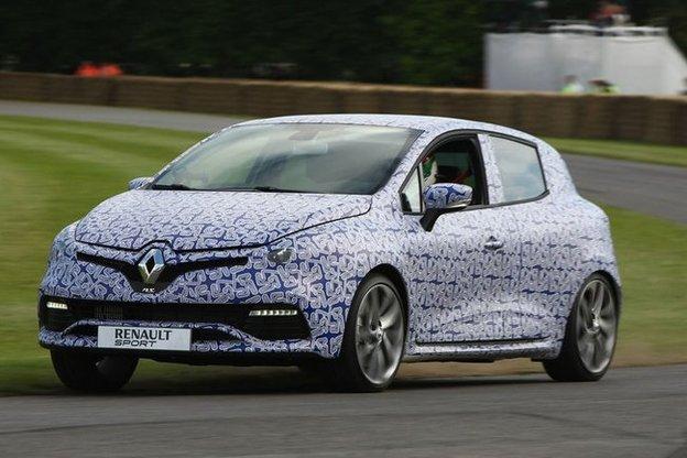 Toutes les nouveautés du Mondial 2012 – Renault Clio R.S : sportive