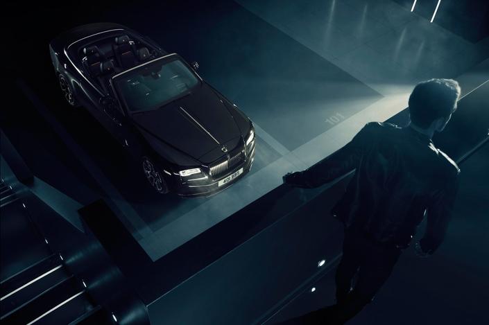 """Rolls-Royce : la Dawn en """"Black Badge"""", pour les rebelles"""
